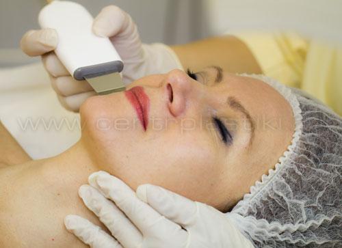 Ультразвуковая чистка лица (Ультразвуковой пилинг) считается самым мягким и безопасным.